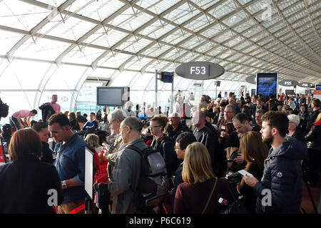 The f terminal gates at charles de gaulle cdg airport in roissy stock photo 1272985 alamy - Bureau de change charles de gaulle ...