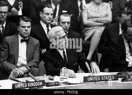 London, England, U.K. 2nd Oct, 1960. ARTHUR GOLDBERG (1908-1990) was a statesman and jurist who served on the Supreme Court, U.S. Secretary of Labor and was an Ambassador to the United Nations. PICTURED: Arthur Goldberg during a meeting. Credit: KEYSTONE Pictures USA/ZUMAPRESS.com/Alamy Live News - Stock Photo