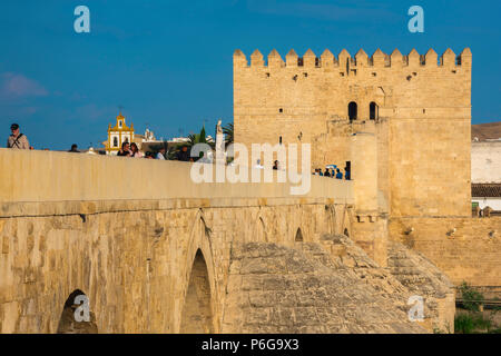 Cordoba Roman Bridge, view of the medieval Torre de la Calahorra sited at the eastern end of the Puente Romano in Cordoba, Andalucia, Spain. - Stock Photo