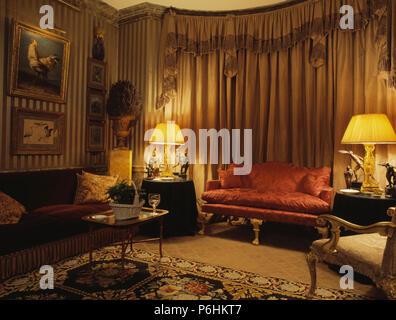 Eighties Regency style living room - Stock Photo
