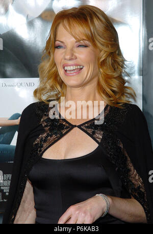 Marg Helgenberger arriving at the Good Company Premiere at the Chinese Theatre in Los Angeles. December 6, 2004.HelgenbergerMarg049 Red Carpet Event, Vertical, USA, Film Industry, Celebrities,  Photography, Bestof, Arts Culture and Entertainment, Topix Celebrities fashion /  Vertical, Best of, Event in Hollywood Life - California,  Red Carpet and backstage, USA, Film Industry, Celebrities,  movie celebrities, TV celebrities, Music celebrities, Photography, Bestof, Arts Culture and Entertainment,  Topix, headshot, vertical, one person,, from the year , 2004, inquiry tsuni@Gamma-USA.com - Stock Photo