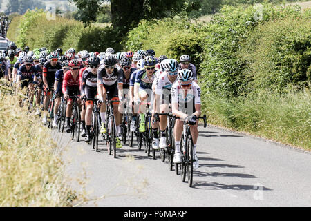 Northumberland, UK. 1st Jul, 2018. Riders Chase the lead Pack In the Elite Mens Race   Credit: Dan Cooke Credit: Dan Cooke/Alamy Live News - Stock Photo