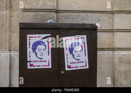 Paris, Ile de France, France. 1st July, 2018. Portrait of the deceased is seen displayed in the street.The burial ceremony of former French politician and Holocaust survivor Simone Veil and her husband Antoine Veil at the Pantheon in Paris. Former Health Minister, Simone Veil, who passed away on June 30, 2017 became president of the European Parliament and one of France's most revered politicians by advocating the 1975 law legalizing abortion in France. Credit: Thierry Le Fouille/SOPA Images/ZUMA Wire/Alamy Live News - Stock Photo