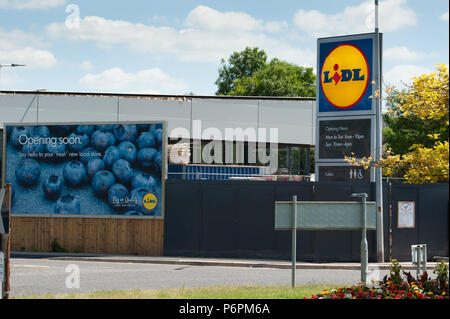 Lidl sign at store under construction - Stock Photo