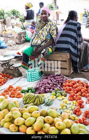 Outdoor fruit and vegetable market, Watamu, near Malindi, Kenya, Africa - Stock Photo