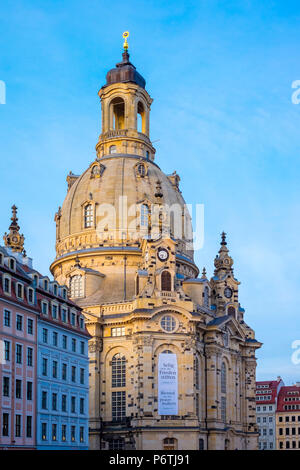 Germany, Saxony, Dresden, Altstadt (Old Town). Dresdner Frauenkirche, Church of Our Lady and buildings on Neumarkt. - Stock Photo