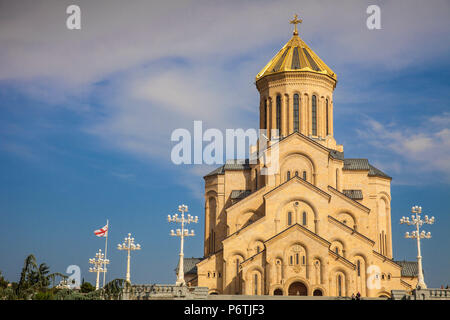 Georgia, Tbilisi, Avlabari, Tsminda Sameba Cathedral (Holy Trinity Cathedral) - the biggest Orthodox Cathedral in the Caucasus - Stock Photo