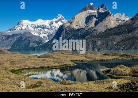 South America, Patagonia, Chile, Region de Magallanes y de la Antartica, Torres del Paine National Park, Los Cuernos - Stock Photo