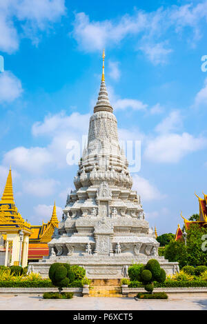 Stupa in front of the Silver Pagoda, on the grounds of the Royal Palace, Phnom Penh, Cambodia - Stock Photo