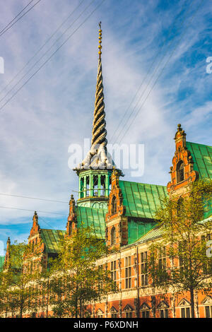 Copenhagen, Hovedstaden, Denmark, Northern Europe. The spire at the top of the old Copenhagen stock exchange building, called the Dragon Spire, built in early 1600s. - Stock Photo