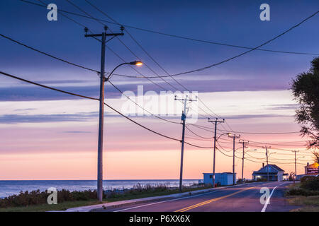 Canada, Quebec, Gaspe Peninsula, Sainte-Flavie, Rt 132 by the St. Lawrence River, dawn - Stock Photo