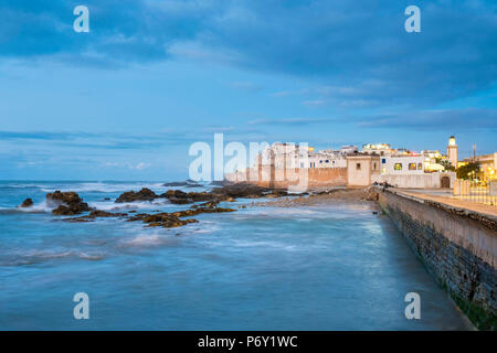 Morocco, Marrakesh-Safi (Marrakesh-Tensift-El Haouz) region, Essaouira. Medina (old town) at dusk, protected by 18th-century seafront ramparts,  Skala de la Kasbah. - Stock Photo