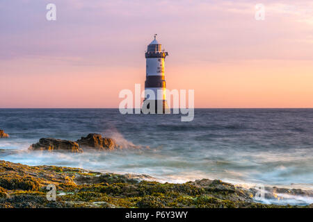 UK, Wales, Anglesey, Penmon, Black Point, Trwyn Du Lighthouse (Penmon Lighthouse) - Stock Photo