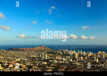 USA, Hawaii, Oahu, Honolulu Skyline and Diamond Head Crater, from Puu Ualakaa State Park Stock Photo