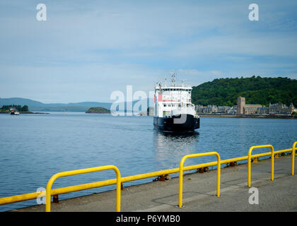 Caledonian MacBrayne ferry MV Coruisk coming in to dock at Oban, Scotland , before sailing to Craignure on the Isle of Mull, June 2018 - Stock Photo