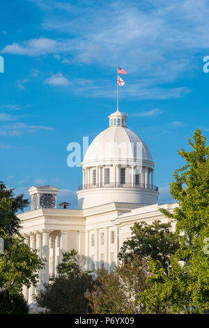 United States, Alabama, Montgomery. Alabama State Capitol building, former First Confederate Capitol, built 1850–51. - Stock Photo