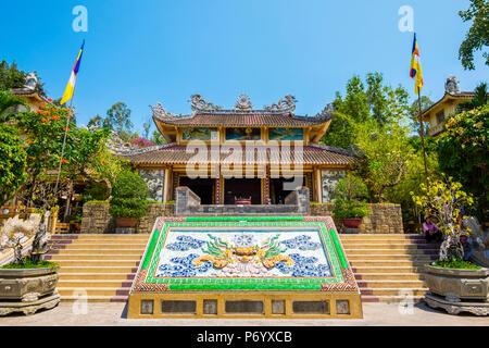Long Sơn Pagoda (Chùa Long Sơn) Buddhist temple, Nha Trang, Khanh Hoa Province, Vietnam - Stock Photo