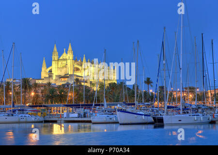 Spain, Balearic Islands, Mallorca, Palma de Mallorca, Cathedral - Stock Photo