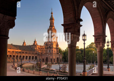 Spain, Andalucia, Sevilla, Plaza de Espana - Stock Photo