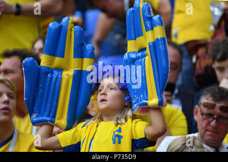 St. Petersburg, Russland. 03rd July, 2018. young swedish fan, football fan, boy, child. Sweden (SWE) - Switzerland (SUI) 1-0, Round of 16, Round of 16, Game 55, on 07/03/2018 in Saint Petersburg, Arena Saint Petersburg. Football World Cup 2018 in Russia from 14.06. - 15.07.2018. | usage worldwide Credit: dpa/Alamy Live News - Stock Photo