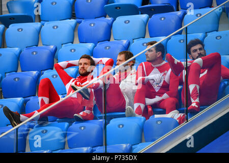 St. Petersburg, Russland. 03rd July, 2018. swiss fans, football fans, disappointment, frustrated, disappointed, frustratedriert, dejected, Sweden (SWE) - Switzerland (SUI) 1-0, Round of 16, Round of 16, Game 55, on 07/03/2018 in Saint Petersburg, Arena Saint Petersburg. Football World Cup 2018 in Russia from 14.06. - 15.07.2018. | usage worldwide Credit: dpa/Alamy Live News - Stock Photo