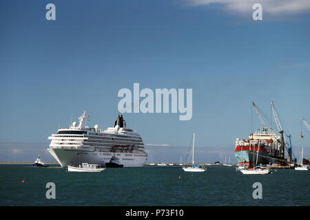 Picture by Tim Cuff - 25 February 2018 - Large cruise ship Crystal Symphony in Port Nelson, Nelson, New Zealand - Stock Photo
