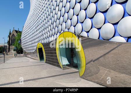 Birmingham, UK: June 29, 2018: Side view of Selfridges Department Store in Park Street - part of the Bullring Shopping Centre. - Stock Photo