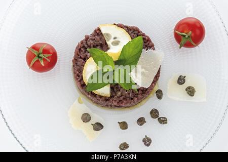 Simple seasoned meat tartare 4 - Stock Photo
