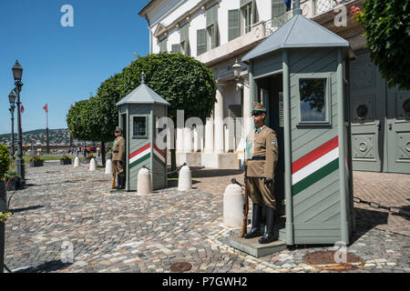 A view of the guards in front of theSandor palace in Budapest, Hungary - Stock Photo
