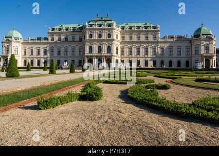 Palacio Belvedere , estilo barroco, construido entre 1714 y 1723 para el príncipe Eugenio de Saboya, Viena, Austria, europe. - Stock Photo