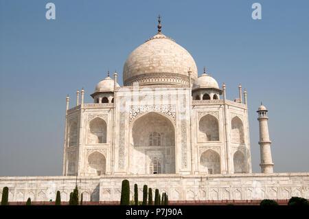 White marble Taj Mahal in India, Agra - Stock Photo
