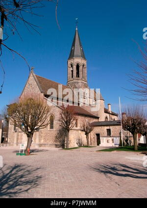 AJAXNETPHOTO. LOUVECIENNES,FRANCE. - CHURCH - EGLISE SAINT-MARTIN - IN THE CENTRE OF THE VILLAGE.