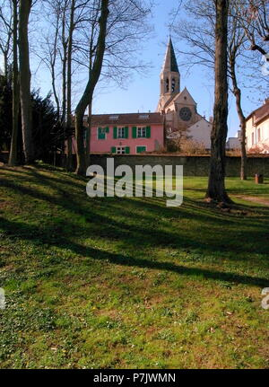 AJAXNETPHOTO. LOUVECIENNES,FRANCE. - CHURCH - EGLISE SAINT-MARTIN -IN THE CENTRE OF THE VILLAGE SEEN FROM THE PARK.