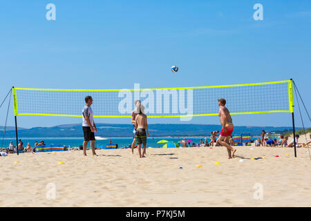 Branksome Dene, Poole, Dorset, UK. 7th July 2018. UK weather: another hot sunny day as the heatwave continues and thousands of sunseekers head to the  seaside to enjoy the sandy beaches at Poole. Credit: Carolyn Jenkins/Alamy Live News - Stock Photo