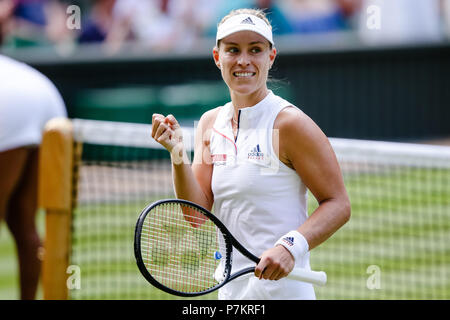London, UK, 7th July 2018: Angelique Kerber from Germany books his 4th round spot at Day 6 at the Wimbledon Tennis Championships 2018 at the All England Lawn Tennis and Croquet Club in London. Credit: Frank Molter/Alamy Live news - Stock Photo