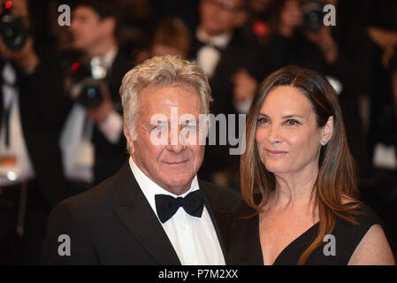 May 21, 2017 - Cannes, France: Dustin Hoffman and his wife Lisa Hoffman attend the 'The Meyerowitz Stories' premiere during the 70th Cannes film festival.  Dustin Hoffman et Lisa Hoffman lors du 70eme Festival de Cannes. *** FRANCE OUT / NO SALES TO FRENCH MEDIA *** - Stock Photo