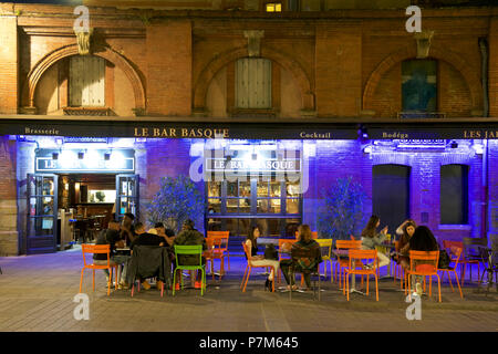 France, Haute Garonne, Toulouse, banks of the Garonne river, Place Saint Pierre, bar - Stock Photo