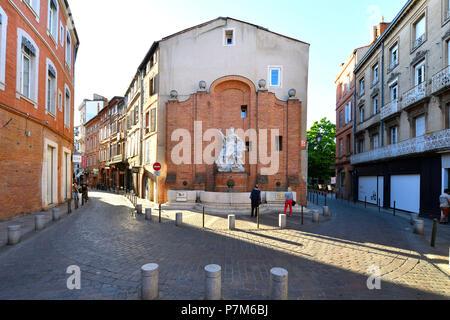 France, Haute Garonne, Toulouse, Saint Georges square, Boulbonne fountain - Stock Photo