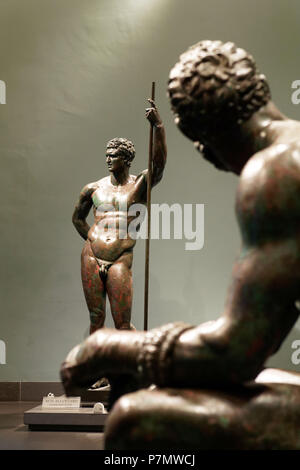 Italy, Lazio, Rome, historical centre listed as World Heritage by UNESCO, Museo Nazionale Romano (National Museum of Rome), Palazzo Massimo alle Terme (Massimo's Palace), Antic Greek statue from the 2nd-1st centuries BC, Hellenistic prince bronze statue - Stock Photo