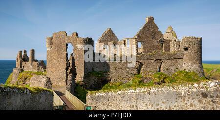 UK, Northern Ireland, Co Antrim, Dunluce Castle, panoramic - Stock Photo