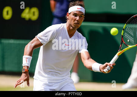 London, UK, 7th July 2018: Rafael Nadal from Spain books his 4th round spot at Day 6 at the Wimbledon Tennis Championships 2018 at the All England Lawn Tennis and Croquet Club in London. Credit: Frank Molter/Alamy Live news - Stock Photo