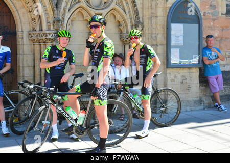 Bristol, UK. 08th July, 2018. A free festival of British Cycling, Elite Pro Racers and then after the event ride the track, for all ages.There was a long delayed start for the Main Mens Pro Racers due to not enough safety barriers put in place. Mike Tindall was all so seen at the event on a very very hot and humid day. Robert Timoney/Alamy/Live/News Credit: Robert Timoney/Alamy Live News - Stock Photo