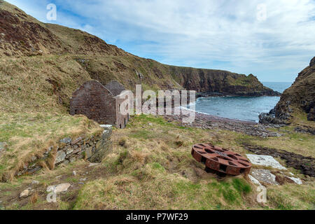 The abandoned harbour at Sarclet near Wick on the east coast of Scotland - Stock Photo