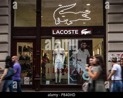 wholesale dealer 7d5e2 a85a6 people shopping at lacoste outlet store, outlet city ...