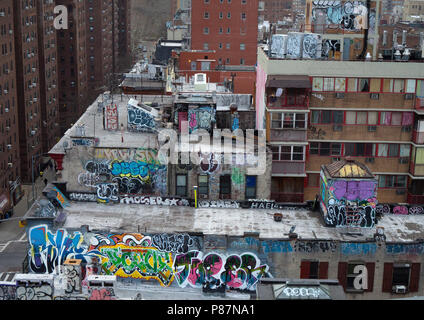 Graffities in Manhattan on residental buildings from above