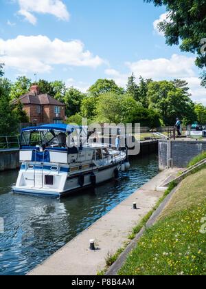 Boats Using, Temple Lock, River Thames,  Buckinghamshire, England, UK, GB. - Stock Photo
