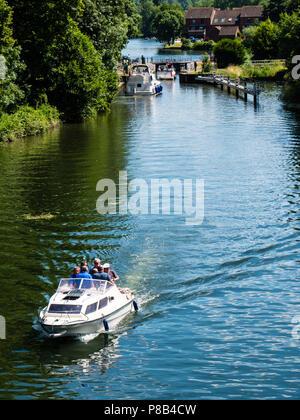 Boat Traveling, Temple Lock, River Thames,  Buckinghamshire, England, UK, GB. - Stock Photo