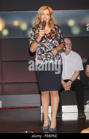 Tietjen und Bommes Talkshow in Hannover  Featuring: Bettina Tietjen Where: Hannover, Germany When: 08 Jun 2018 Credit: Becher/WENN.com - Stock Photo