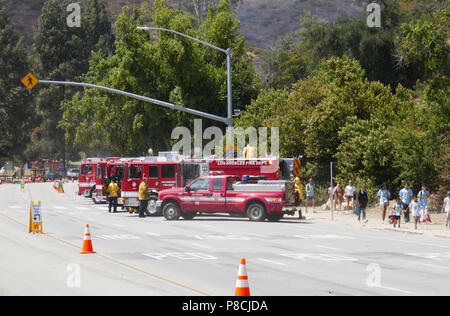LOS ANGELES, CA - JULY 10: A general view of atmosphere of Griffith Park Brush Fire on July 10, 2018 in Los Angeles, California. Photo by Barry King/Alamy Live News - Stock Photo