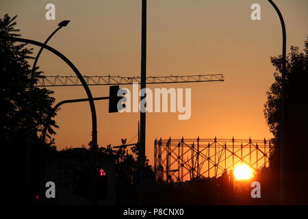 Rome, Italy. 10th July 2018. Beautiful sunset over Ostiense in Rome seen from the Garbatella district Credit: Gari Wyn Williams/Alamy Live News - Stock Photo